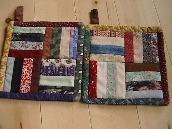 Pair of Quilted Rail Fence Potholders by bitsnthreads on Etsy