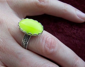 Adjustable size antique silver plated brass ring with vintage Czech fresh lime green smooth glass stone