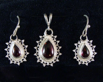 Garnet Earrings Sterling Silver Matched Earrings And Pendant