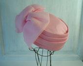 Rosette Pink Pill Box Hat Vintage 1960s