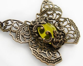 Butterfly necklace with filigree wings and antique jewel, statement necklacem Victorian style vintage filigree jewelry, fantasy jewelry