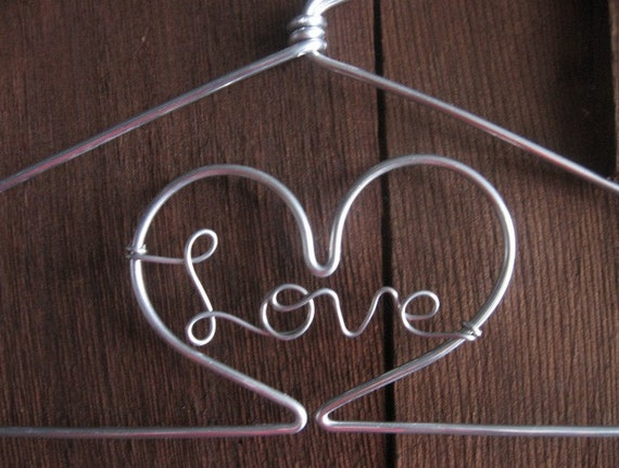 Twelve inch love heart hanger for Perchas con ganchos