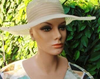 VIntage Ladies Pale Yellow Floppy Brimmed Hat