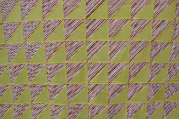 SALE SALE SALE VINTAGE TRIANGLE PATTERN KENTUCKY MADE QUILT TOP
