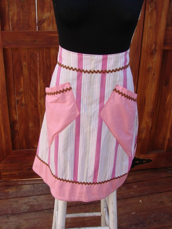 PRETTY in PINK STRIPE VINTAGE APRON with BROWN RICK RACK TRIM