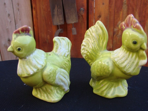 Vintage Apple Green Chicken and Rooster Salt and Pepper Shakers