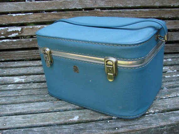 VIntage 1960s Era  Luggage by US Train Case Suitcase Overnight Bag