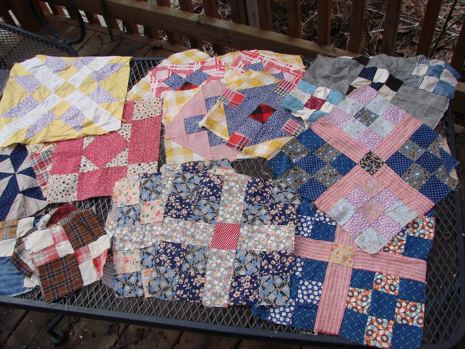 22 Vintage And Antique Quilt Blocks Of Assorted Patterns