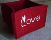 wool felt bowl- love