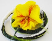 Statement yellow green felt flower choker, lariat necklace, orange white, felt leaves, beaded, short neckpiece, bracelet, floral, autumn