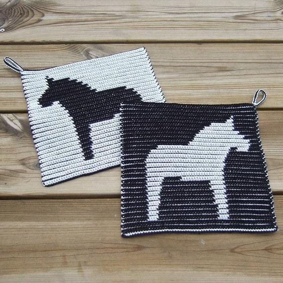 2 Cotton Pot-holders Made in Finland - SWEDISH FOLK ART DALA HORSE