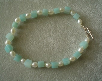 Lovely Hand-Knotted Amazonite and Freshwater Pearl Bracelet