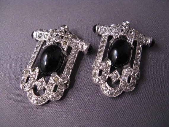 Beautiful Pair of Vintage Deco Rhinestone Dress Clips