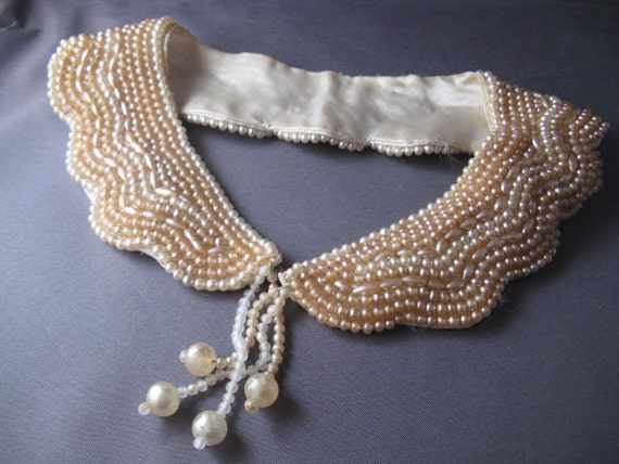 Beautiful Vintage Beaded Collar