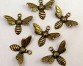 Baby-Bienen Charm, Antik Gold, 6 Stk. AG193