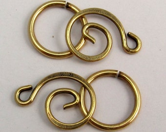 Swirl Clasp Trinity Brass Antique Gold 2 Sets AG196