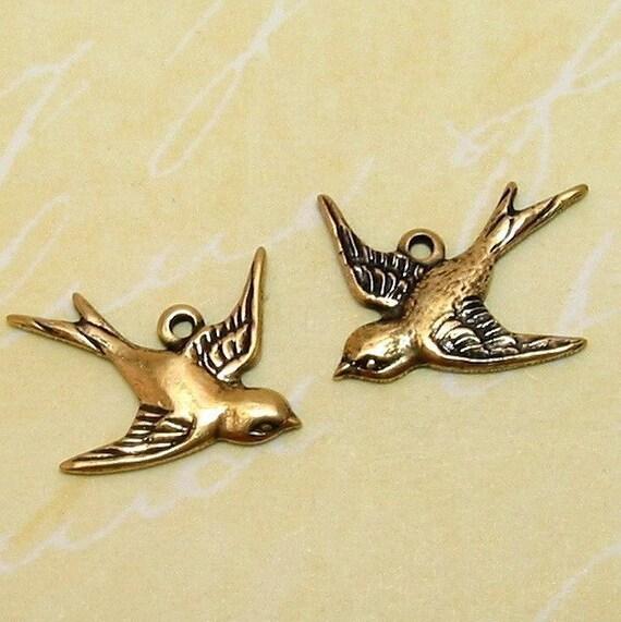 Bird Charm, Antique Gold, Trinity Brass, 1 Pair AG150
