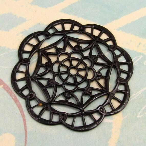 Large Round Black Filigree Vintaj Arte Metal, Grande Kaleidoscope V63