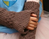 Italy - crocheted brown wrist warmers\/fingerless gloves  4-8 yr olds