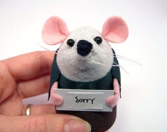 Sorry - Custom mouse ornament with message sign cute gift for animal lover - Parker the messenger Mouse  - MTO