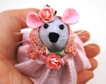 Hippy Mouse - hippie boho bohemian collectable art rat artists mice felt mouse cute soft sculpture toy stuffed plush doll ornament