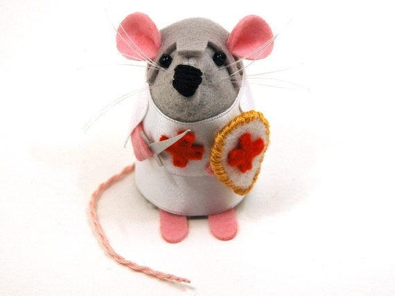 Knight Templar Mouse ornament felt rat hamster mice cute gift for animal lover collector - Sir Eeksalot Knight Templar Mouse