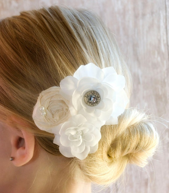 White Wedding Fascinator Hair Piece Bridal hair flower vintage wedding hair flower head piece Perfect for bridesmaids and maid of honor clip