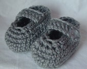 Crochet Baby Mary Jane Slippers for Newborn to 3 months in Gray
