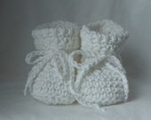 Crochet Booties for Newborn to 3 month Baby Girl or Boy in White