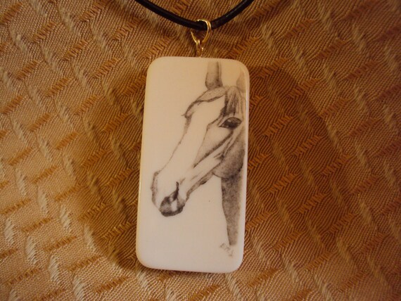 Scrimshaw Neclace Horse On Domino