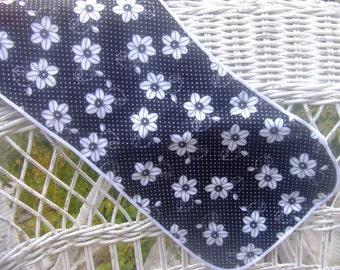 Black and white Daisy Burp cloth