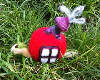 """Peeps """"The Snail""""  Wet and Needle Felted Critter OOAK"""
