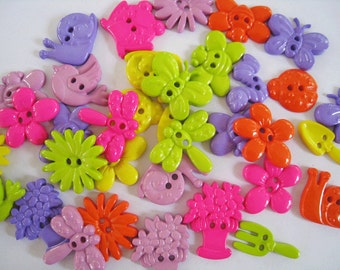 30 pcs of Novelty Button - In The Garden - Lime Green Hot Pink Purple Lavender Yellow