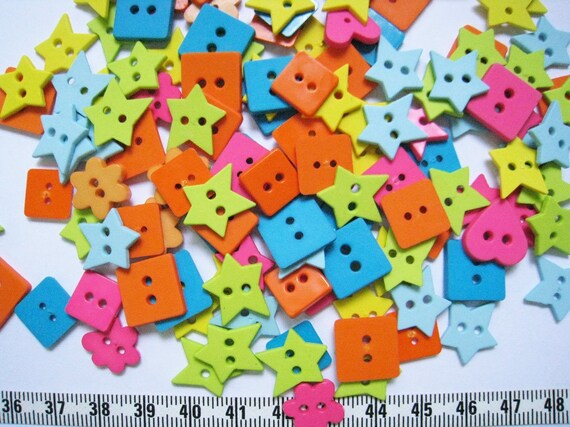 100pcs of flower heart square star buttons - Neon Bright