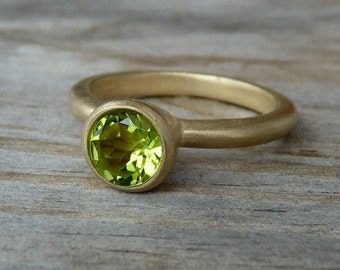 14k Gold  And Peridot Gemstone Solitaire in Rose Gold
