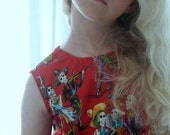 Girls Funky Skeleton Fabric Dress Size 8 years.