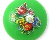 4 Vintage Plastic Floral Cameos - 28mm - Green VIC110