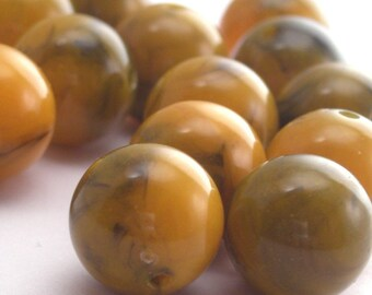 Vintage Lucite Beads 12mm Golden Amber and Olive (14) VPB095