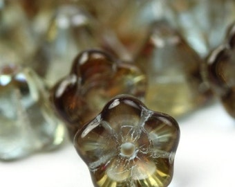 Czech Glass Beads Bell Flower 8x6mm Alexandrite Celsian (25) CZP067