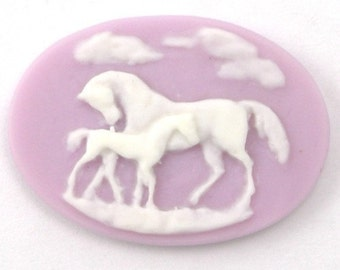4 Plastic Horse and Foal Cameos - 25x18 - Lilac and White IC054