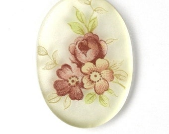 Vintage Cameo Plastic Floral 25x18mm Clear Base, Silver Back Purple (2) VIC207