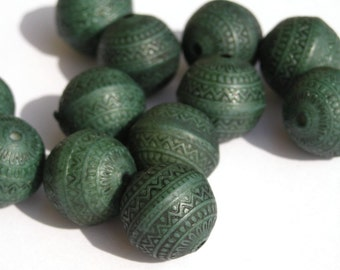 12 11mm Etched Antiqued Indochine Teal Beads PB009