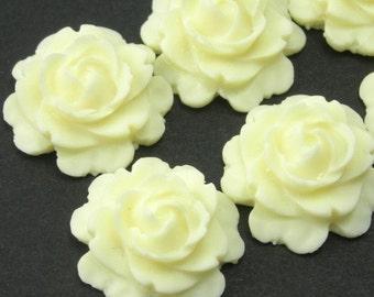 4 Plastic Flower Cabochons - Rose 15mm - Ivory PC067