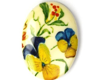 Vintage Plastic Floral Cameos 25x18mm Pansy (2) VIC233