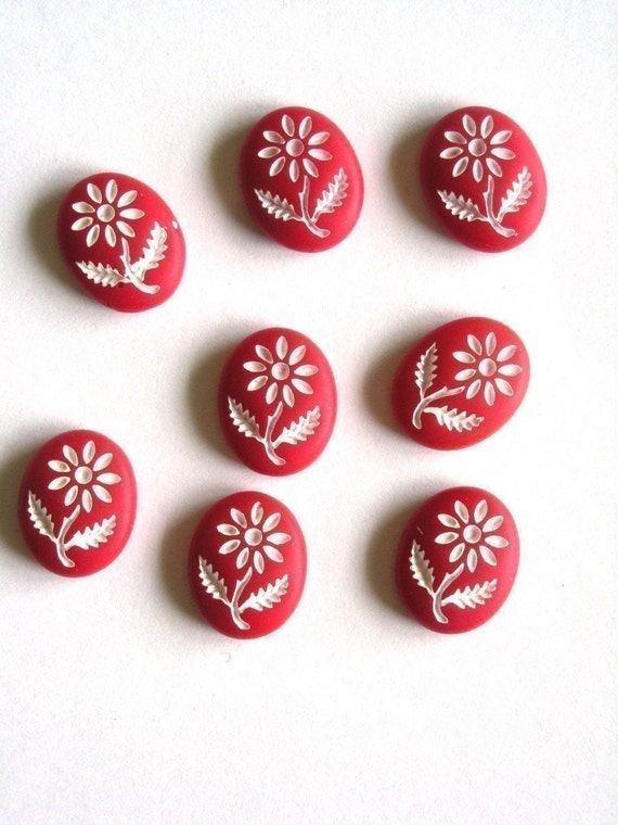 8 Vintage 10x8mm Glass Flower Intaglio Red and White VIC070