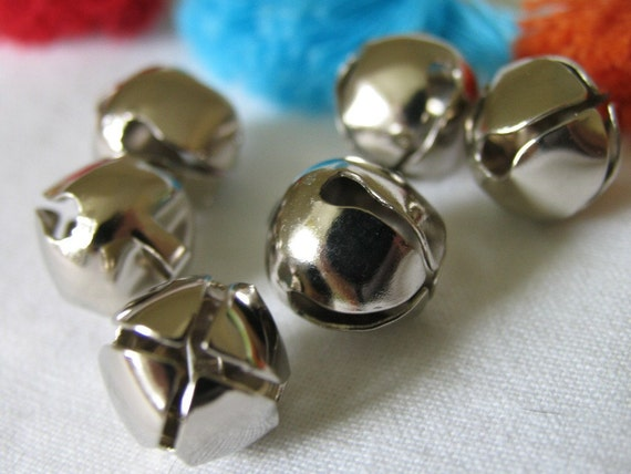 6 fat JINGLE BELLS, nickel. With a happy jingle bell sound. Made in USA