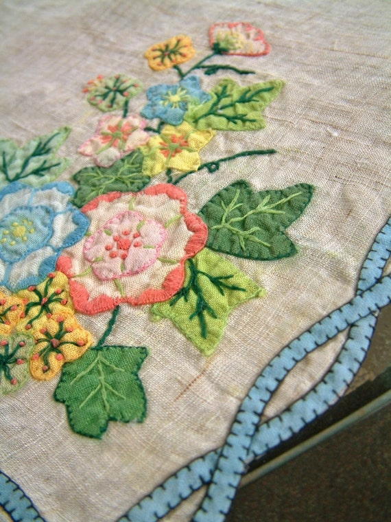 Beautiful Vintage Floral Embroidered Applique Panel