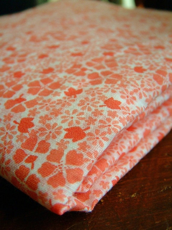 Reversible 1930s Style Peach Pink and White Calico Cotton Quilt Fabric