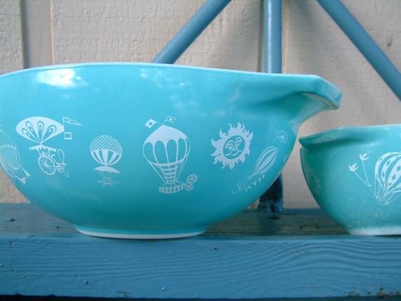 Hot Air Balloon Pyrex Bowl Pair