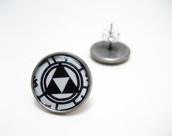 Legend of Zelda Triforce Studs - Circuit board themed black and white monotone Nintendo Triforce post earrings LARGE - Geek Chic Gamer